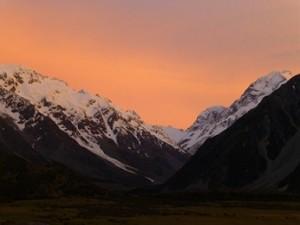 Mountain_Sunrise_P1160089